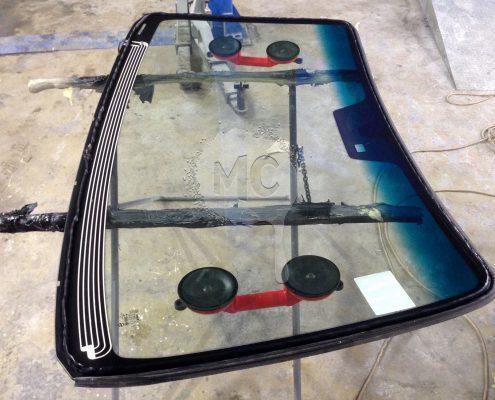 Новое лобовое стекло